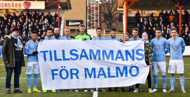 170128 Malmš FFs spelare fšre trŠningsmatchen i fotboll mellan Malmš FF och Helsing¿r den 28 januari 2017 i Malmš. Foto: Christian …rnberg / BILDBYRN / Cop 166
